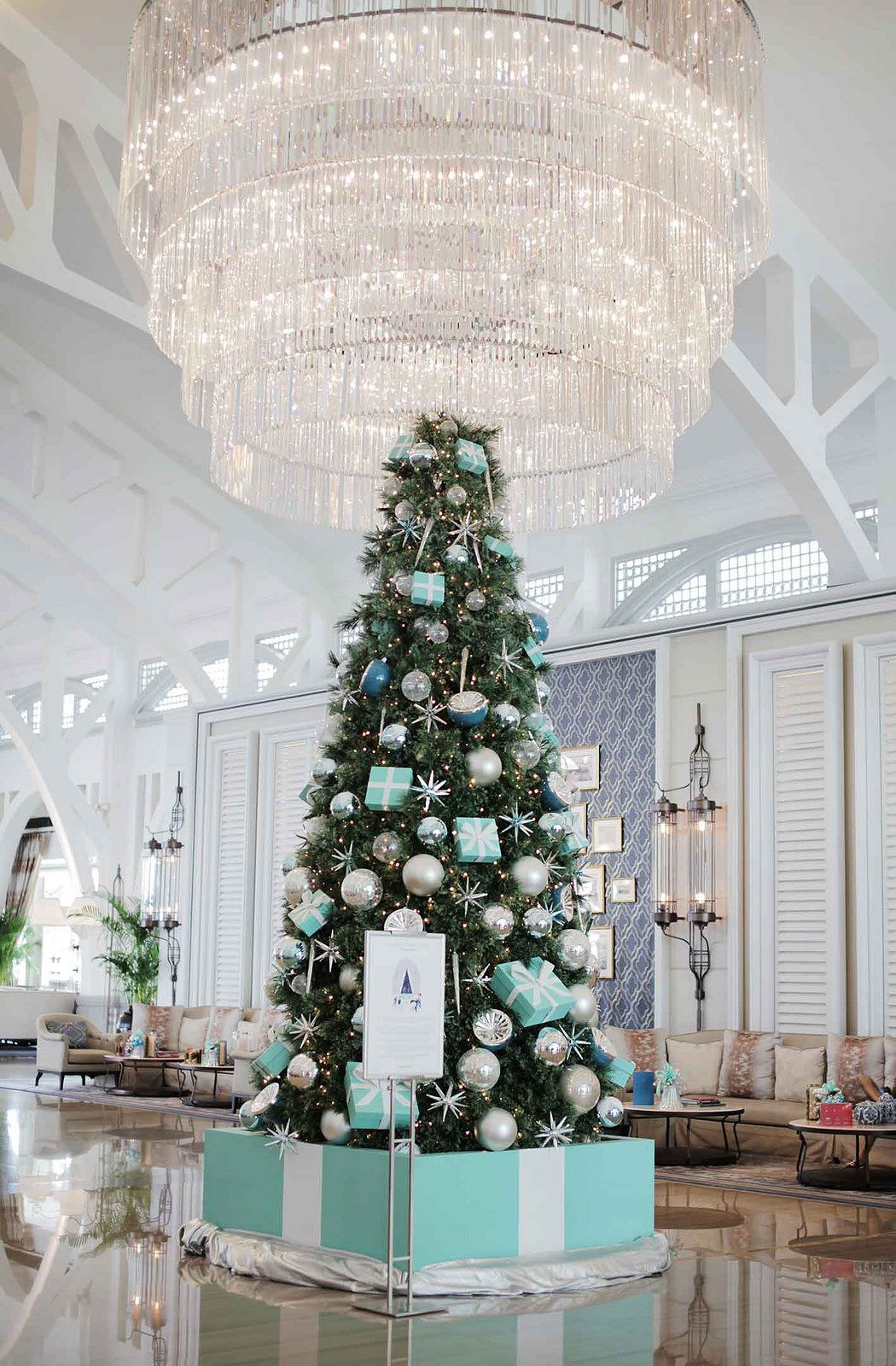 Lovely Tiffany And Co Christmas Ornaments Part - 1: Tiffany-and-co-christmas-tree-at-the-clifford-