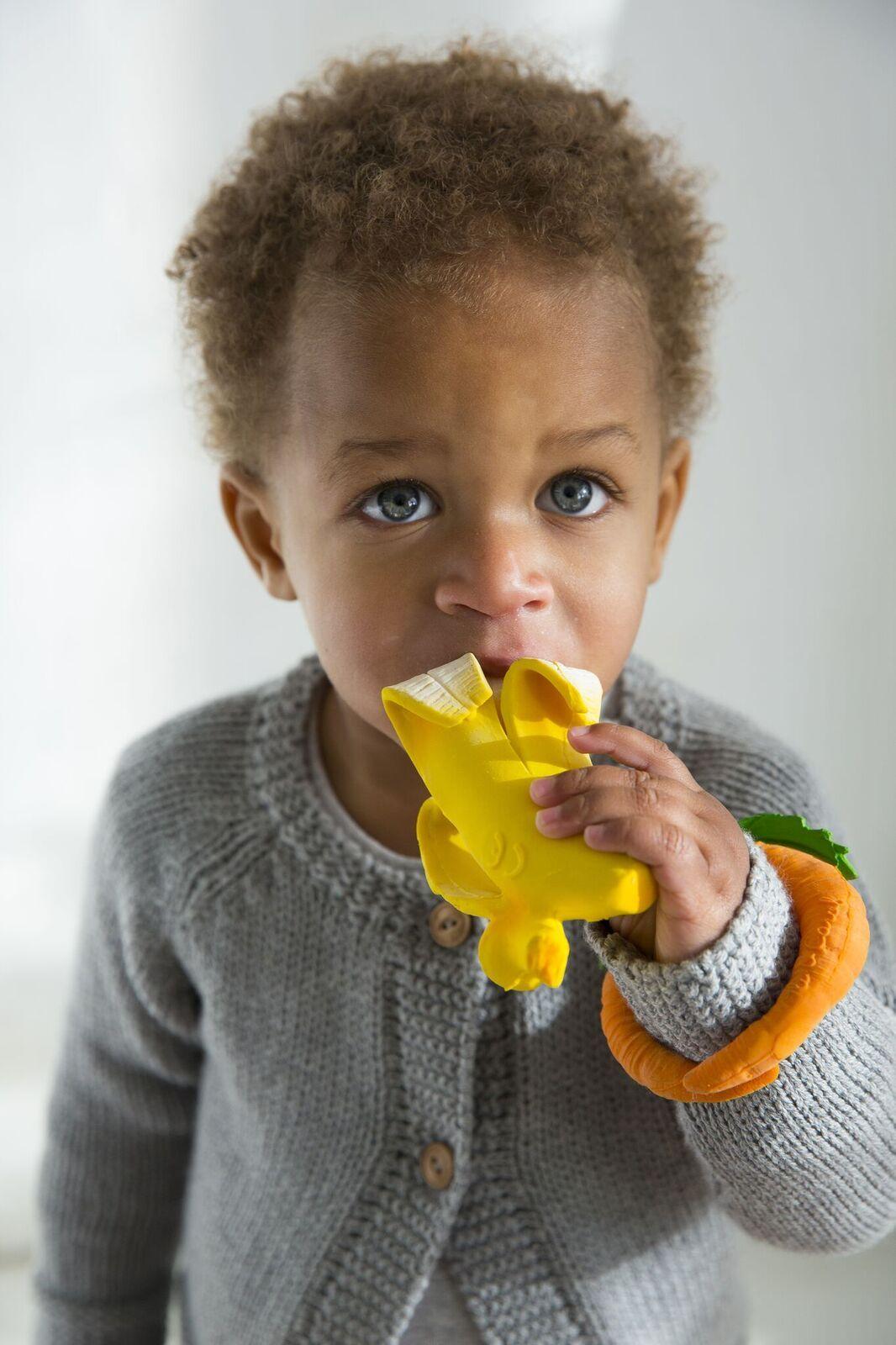 Baby teether and bath toy Ana Banana | Oli&Carol