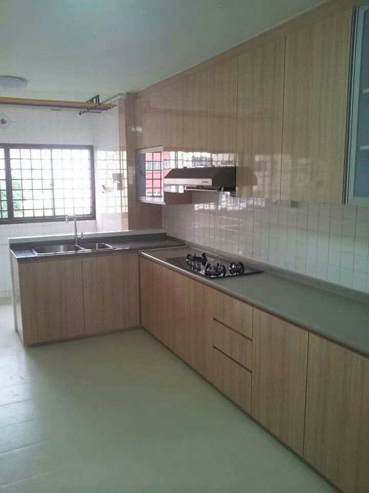 Kitchen island in a hdb Seriously possible Wont it make the