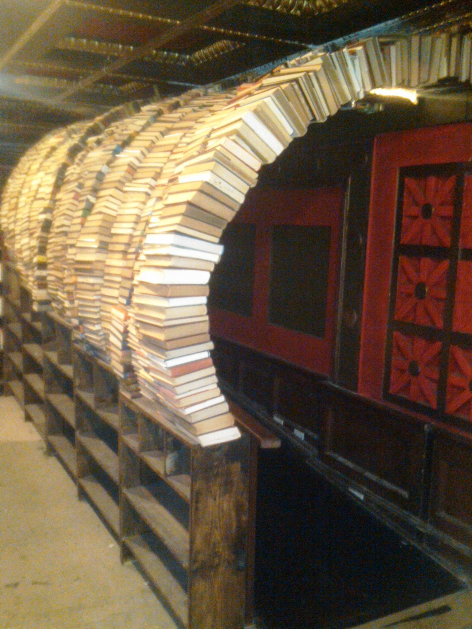 Arch of books at the Last Bookstore