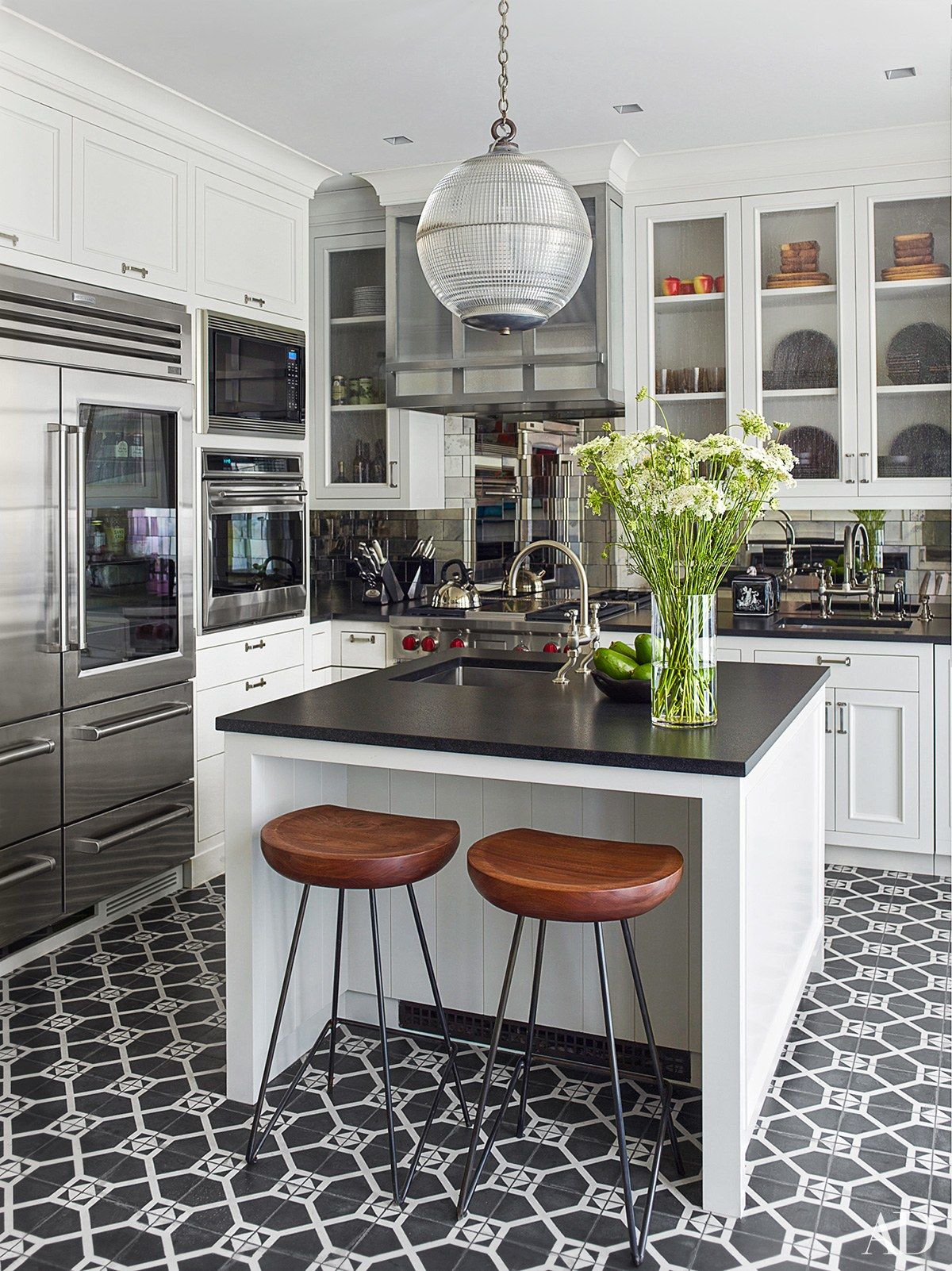 A 158-Year-Old Manhattan Townhouse Is Beautifully Restored | Cocinas ...