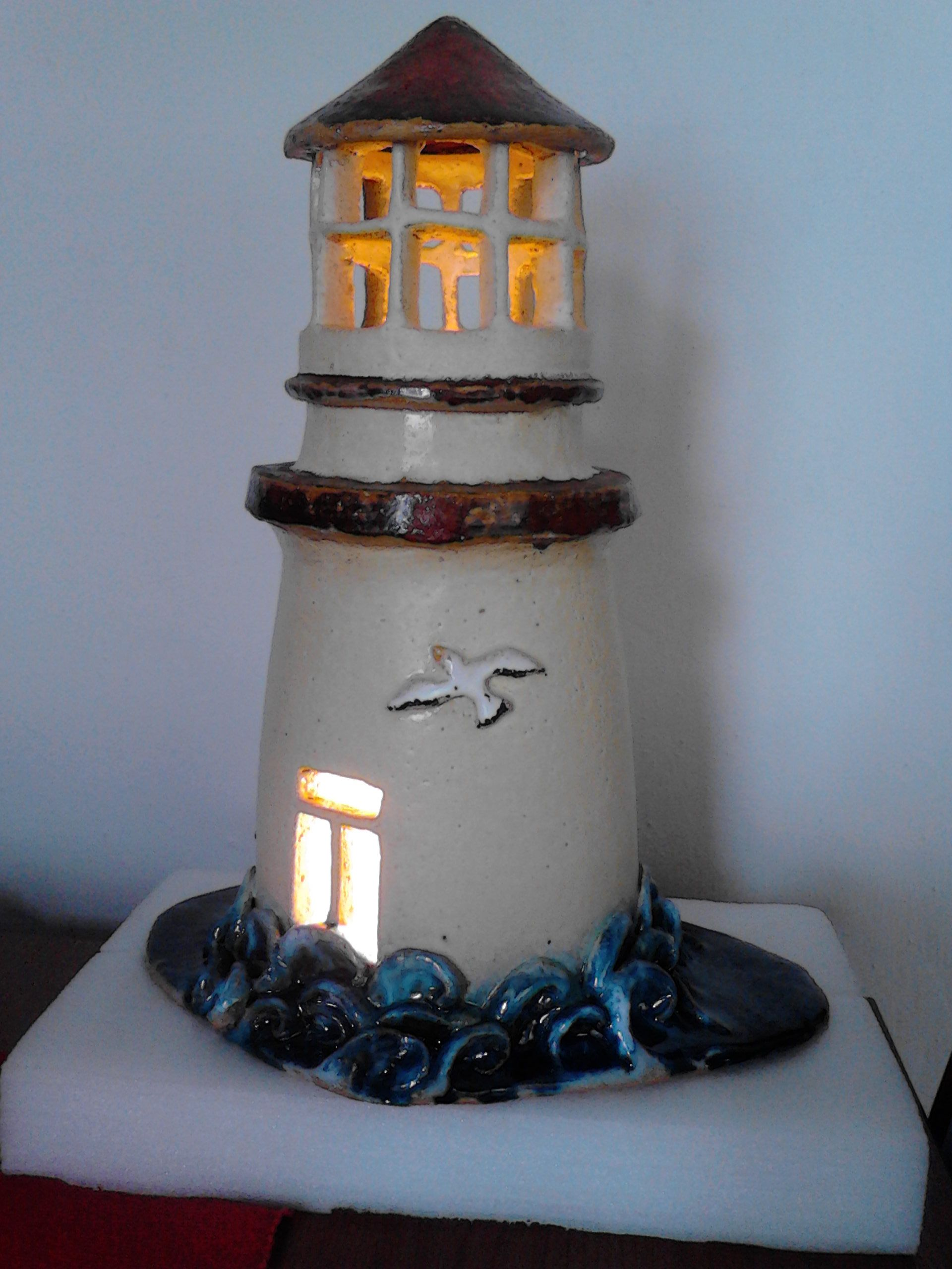handgemachte leuchtturm lampe aus keramik handmade ceramic lighthouse lamp el yap m se. Black Bedroom Furniture Sets. Home Design Ideas