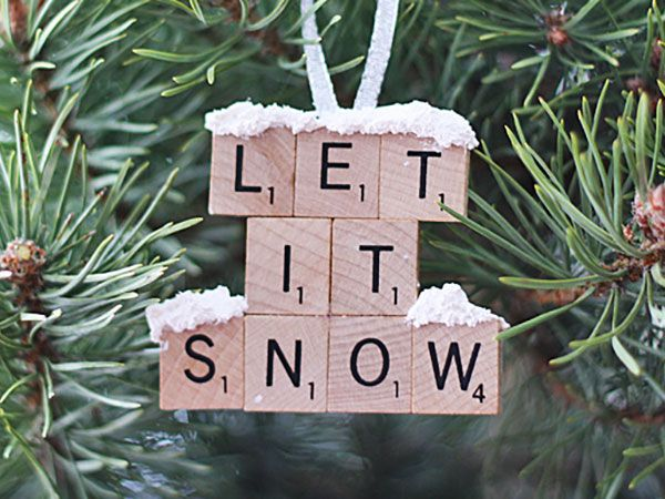 A Scrabble set that's a few tiles short can see better days in the form of cheerful ornaments—as long as you can spell out holiday phrases with the remaining letters. Get the full how-to on @amandaformaro