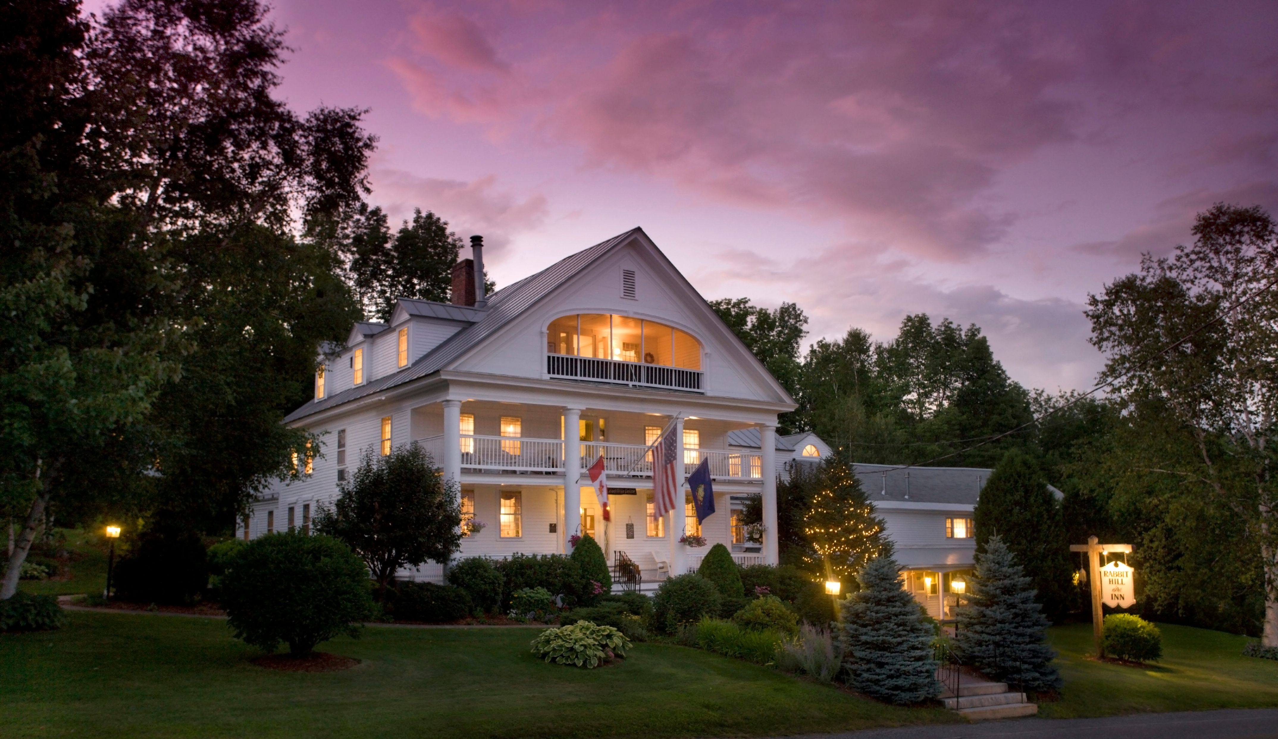 breakfast autumn and the brandon vermont brandoninn vt a country bed accommodations inn