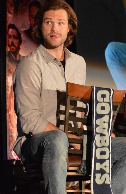 Control your tongue Mr Padalecki (x) #Jared #Dallascon 2015 original source: https://www.flickr.com/photos/52079688@N06/sets/72157658479703282/page5