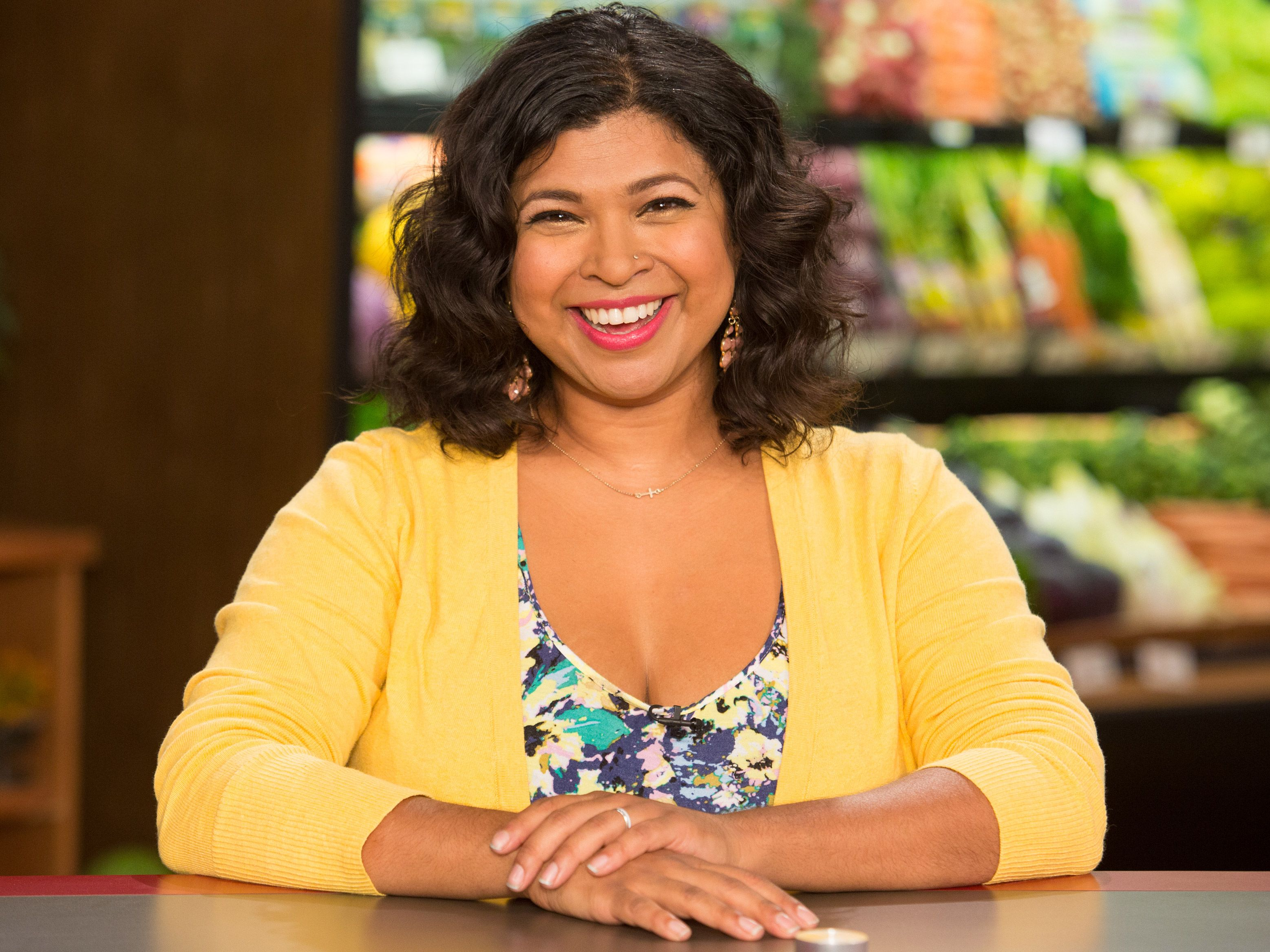 Aarti Sequeira Recipes Food Tv get to know guy's grocery games judge aarti sequeira | fn