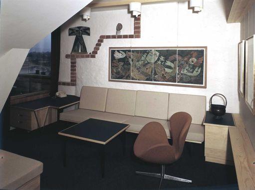 DigitaltMuseum - loftsleilighet, interiør, stue, salong, maleri ...