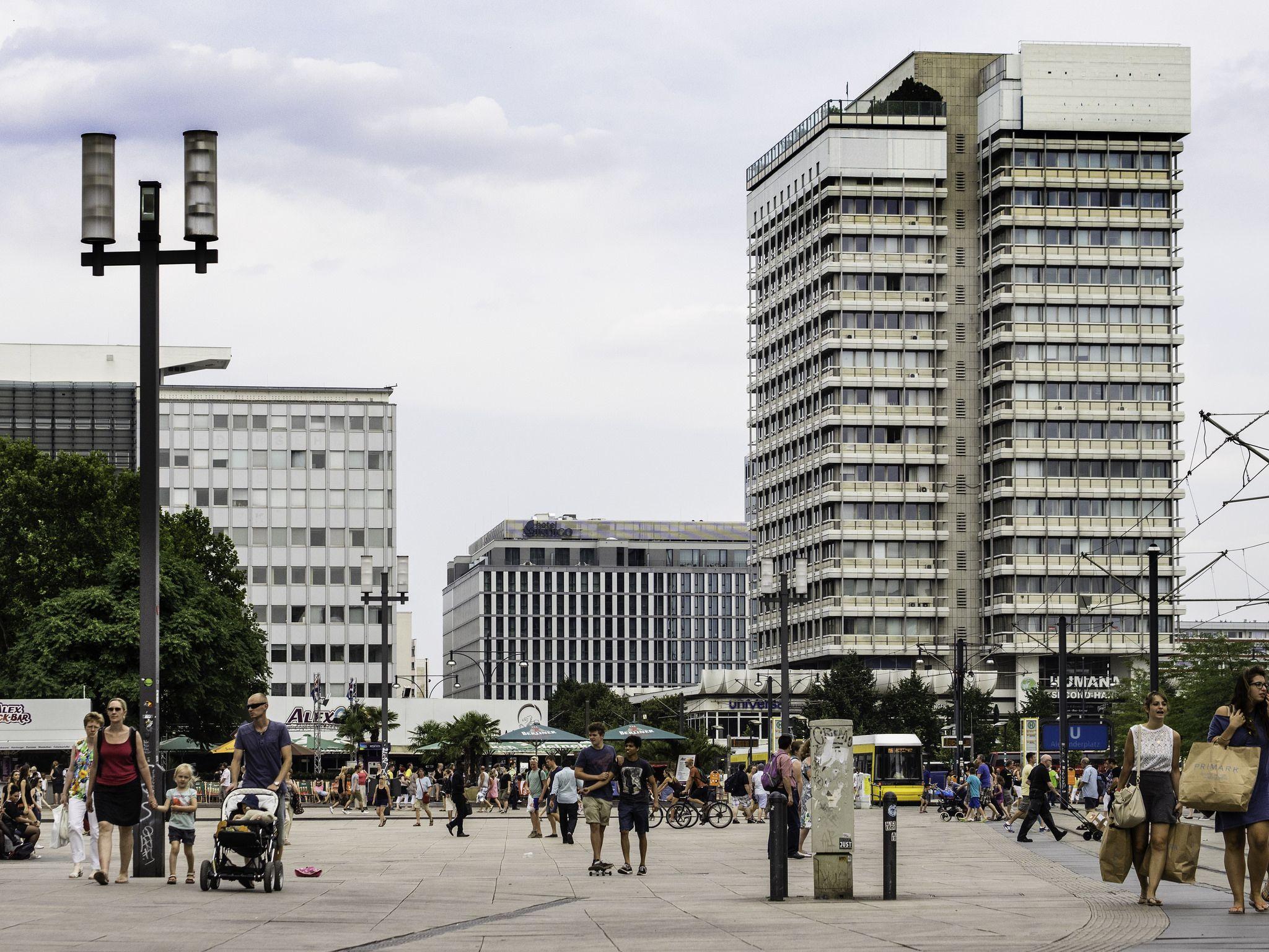 Alexanderplatz Scenes Street View Street