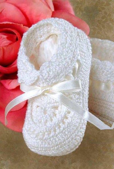 Crocheted Christening Booties | Punto niños, crochet, dos agujas ...