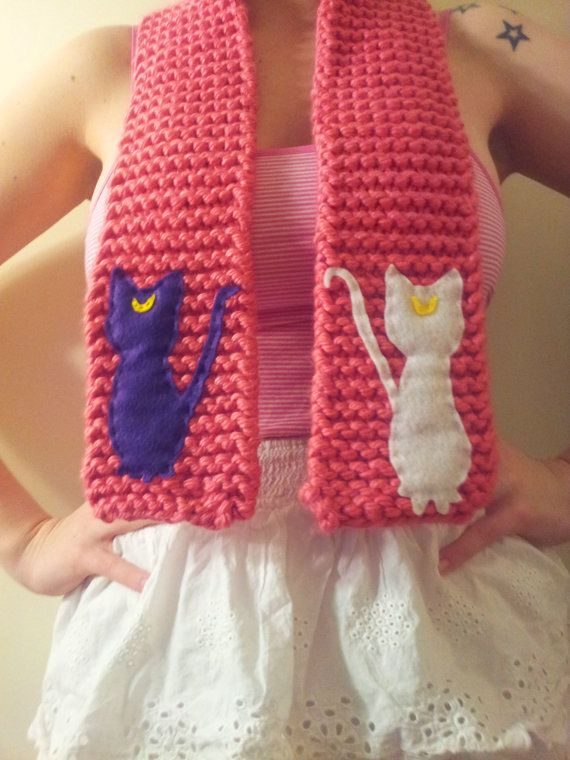 luna and artemis / sailor moon inspired scarf OOAK | Tejido-Bordados ...