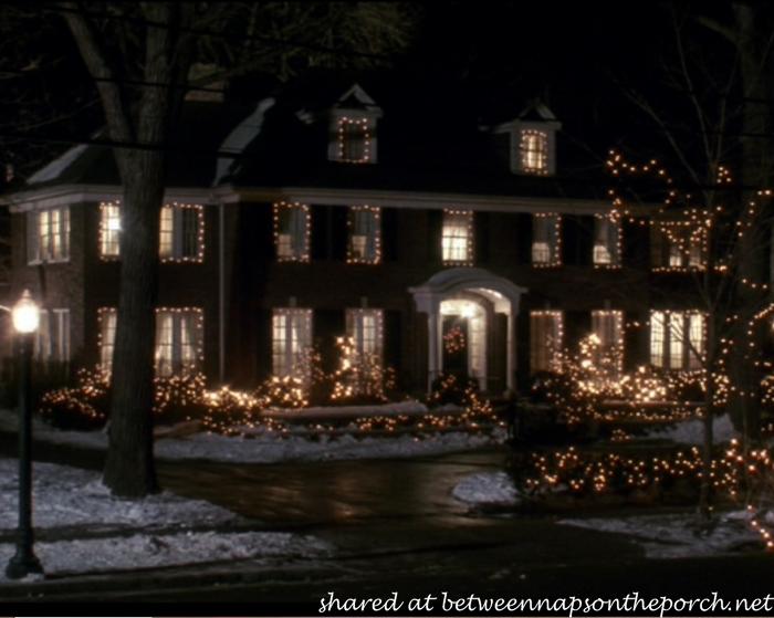 The Christmas Movie House Tacky Light Tour Christmas Scenes Animated Christmas Home Alone
