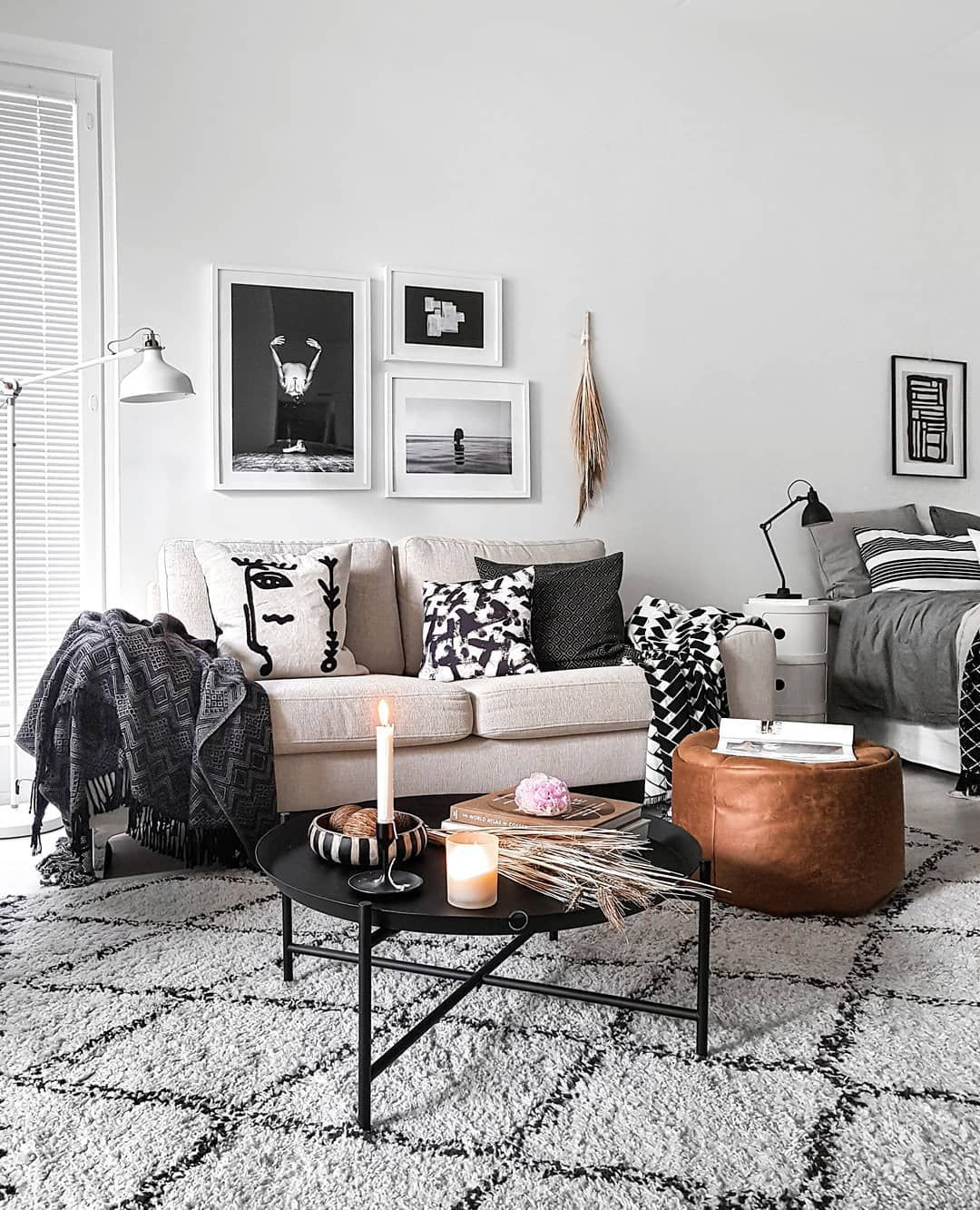 Provenance De La Photo Instagram Mk Nordic Interiordesign Interiors In 2020 Black Sofa Living Room Decor Minimalist Living Room Furniture Monochrome Living Room