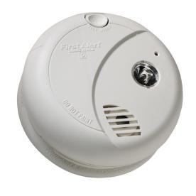 First Alert Battery Powered 9 Volt Smoke Detector Miniature