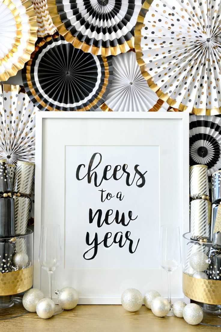 How To Transition Christmas Decor To New Years | Christmas décor ...