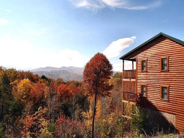 Scenic Ridge - 3 bedroom Cabin in Gatlinburg - As you can see it\'s ...