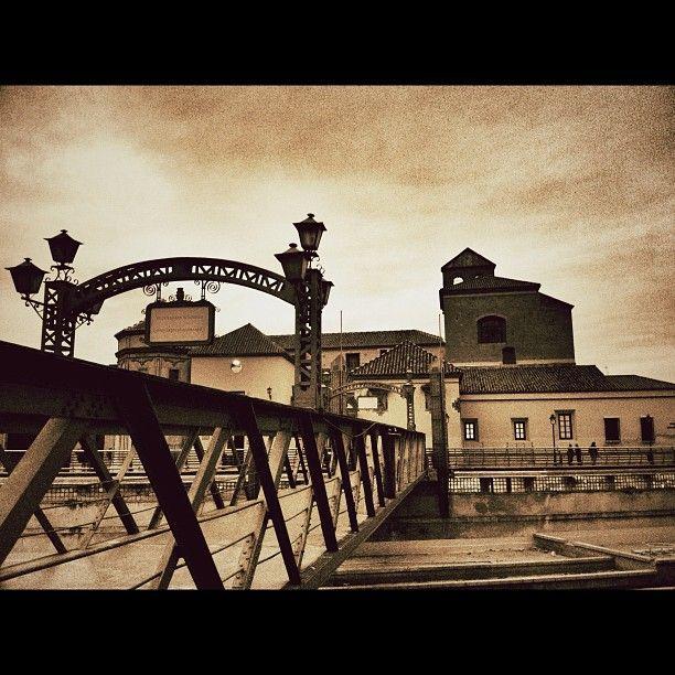 El Puente De Los Alemanes Uno De Los Rincones Con Más Historia De Málaga En 1900 La Fragata Alemana Gneisenau Naufragó Málaga Málaga España Andalucia España