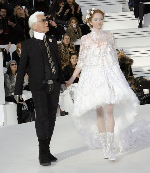 Vestiti Da Sposa Karl Lagerfeld.Primavera Estate 2006 Lily Cole Modelli Di Abito Da Sposa