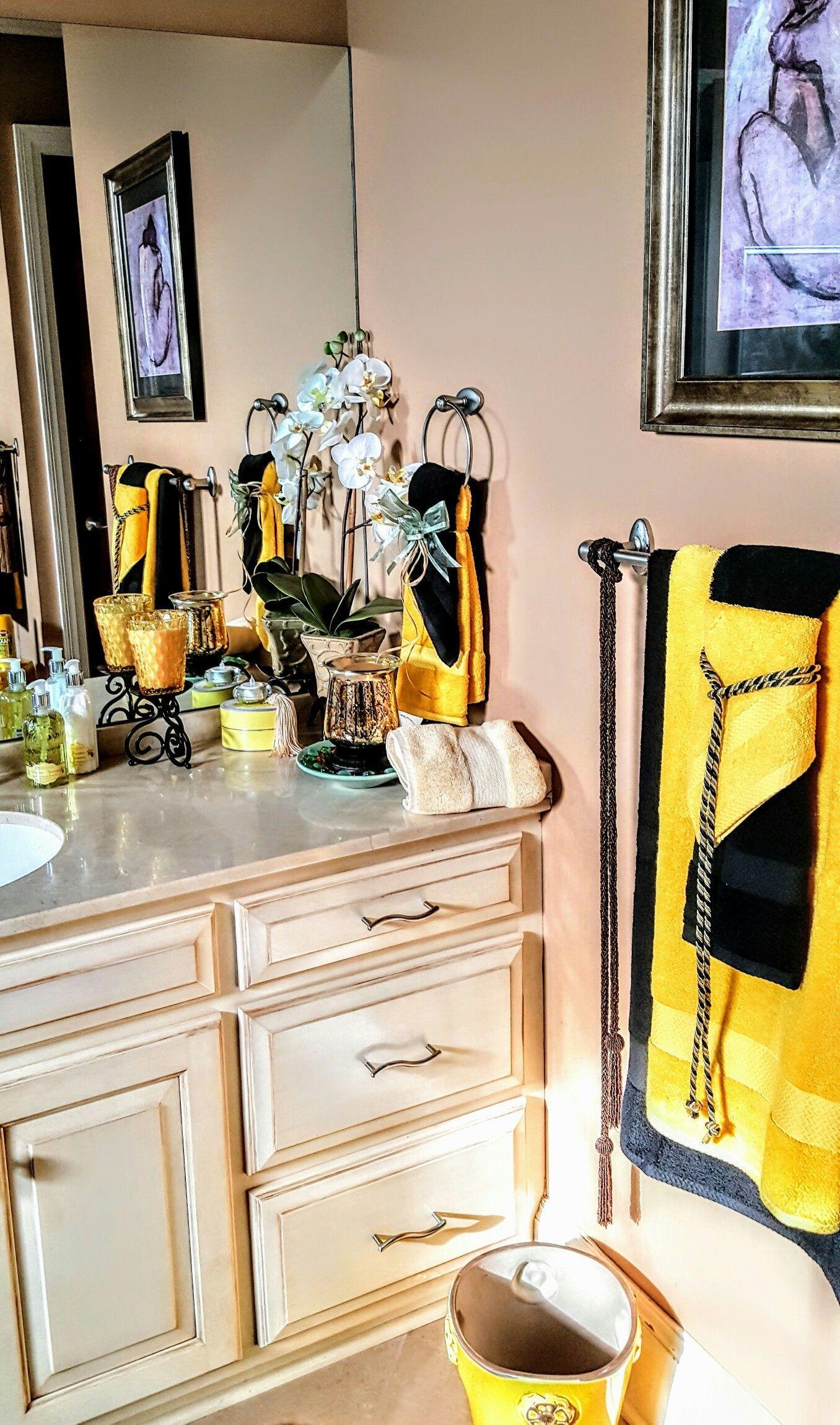 Black And Yellow Bathroom Decor Yellow Bathroom Decor Yellow Bathrooms Bathroom Decor