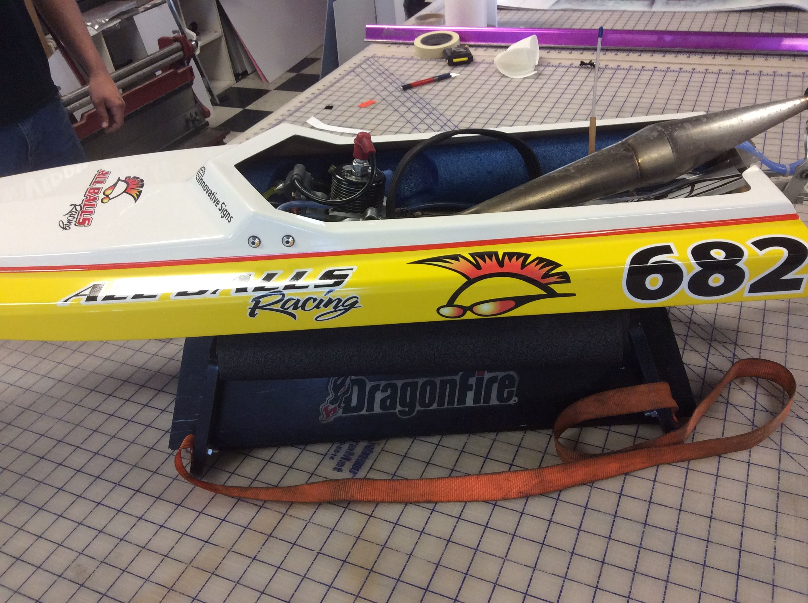 Vinyl On A RC Race Boat Vinyl Rcboats Decals Lettering - Vinyl letter stickers for boats