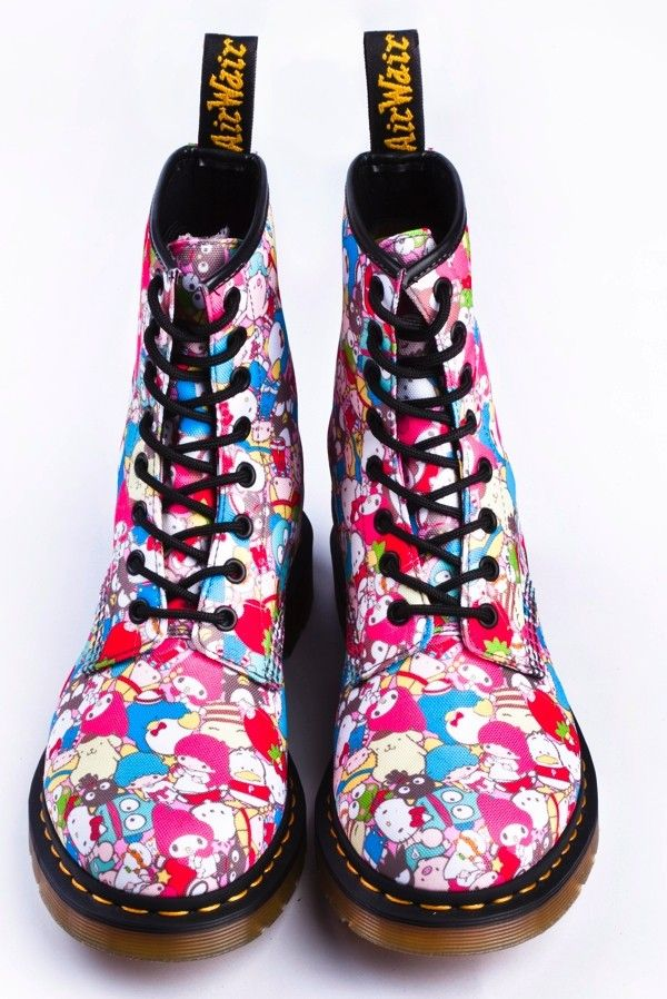 quality design 95e4e 26970 Hello Kitty Doc Martens - I may just pass out from wanting ...
