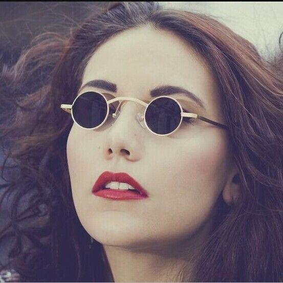 61aaf1caa7b New Steampunk Sunglasses Men Women Vintage Round Metal Sunglasses Unisex  Designer Retro Small Sun Glasses oculos de sol Z34-in Sunglasses from  Women s ...