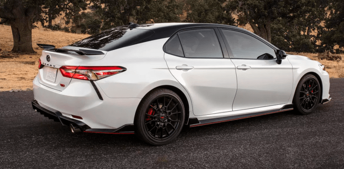 Toyota Camry 2020 Price In Dubai Specifications Features Toyota Camry Camry Toyota Cars