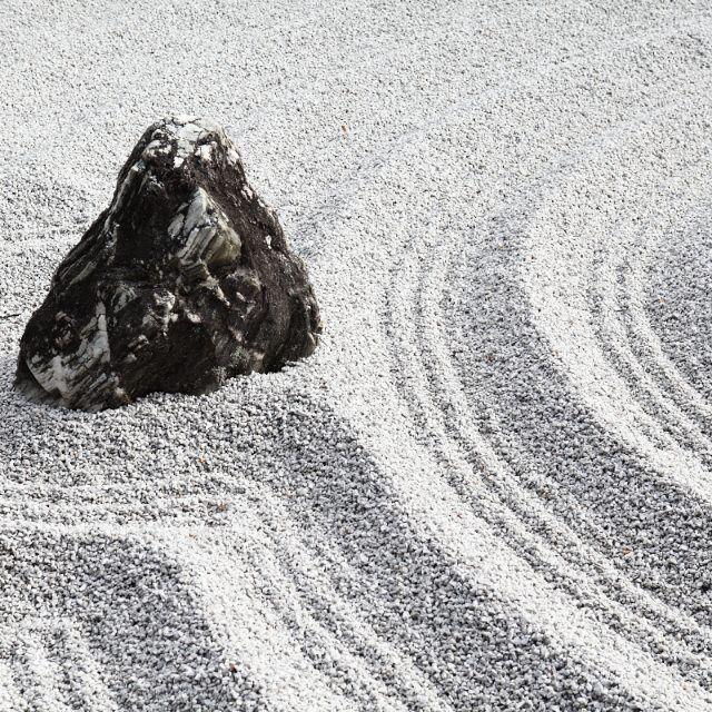 Mood,,, #zen #serenity #blackandwhite #daitokuji #authentic #wabisabi #lessismore #zuihoin #conceptual #meditation #minimalism #minimalist #stone #wave #mireishigemori