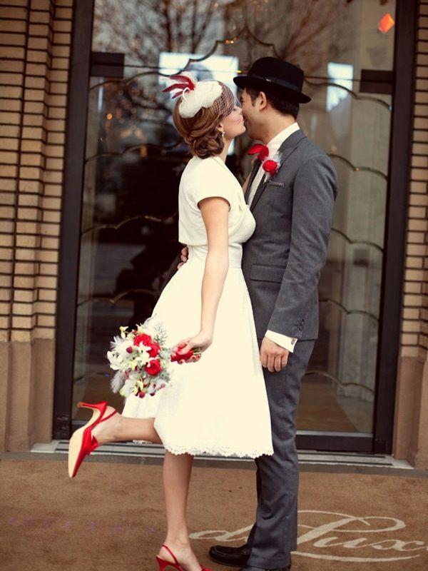 Vintage Bride And Groom In Red Wedding Shoes Vintage Christmas