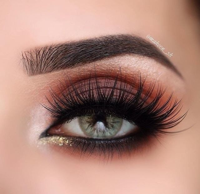 Matte Brown Warm Toned Eyeshadow Look With Glitter Gold Inner