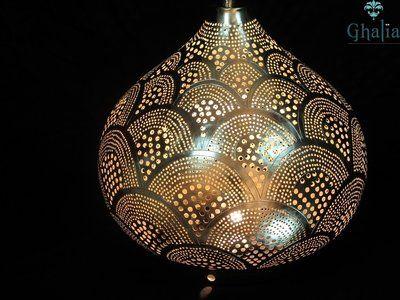 staande egyptische filigrain lamp isra u zoekt een sfeerverhogende