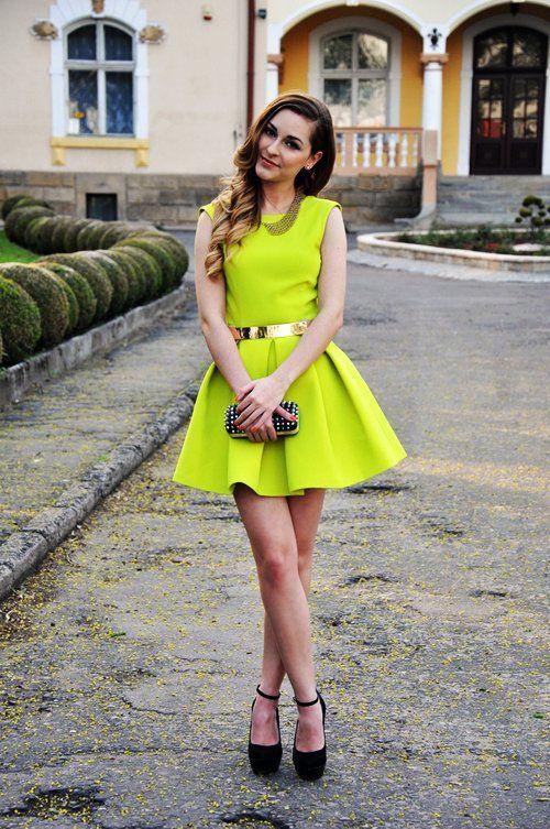 neon green backless dress & gold