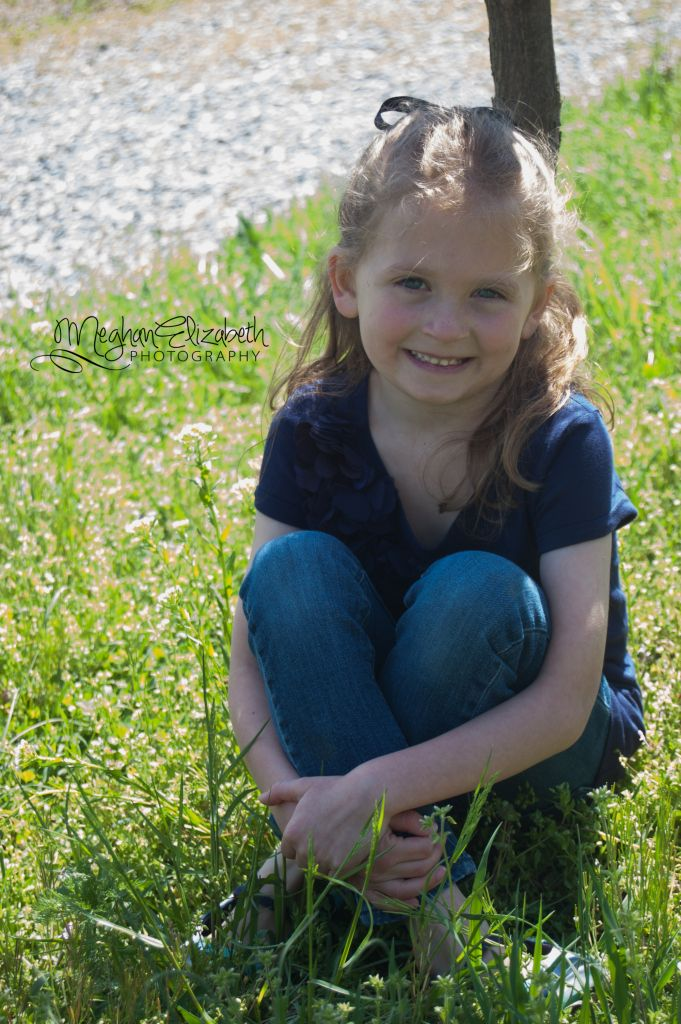 little girl poses   (c) Meghan Elizabeth Photography   meghanelizabethphotography.me
