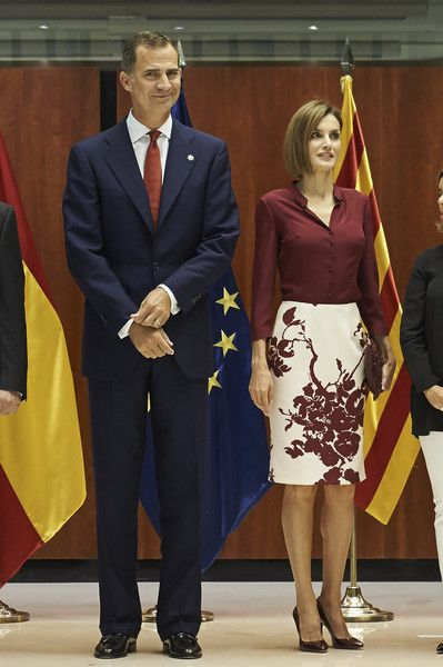 e94075d0b39 King Felipe VI of Spain and Queen Letizia of Spain (C) visit the  Constitutional Court in occasion of his 35th anniversary on September 9,  2015 in Madrid, ...