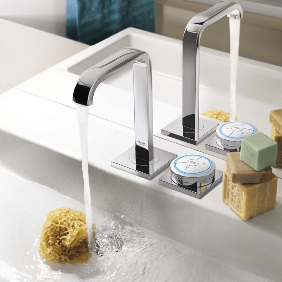 High Tech Bathroom Faucets For Digital And Electronic Upgrades Bathroom Faucets Modern Bathroom Faucets Modern Bathroom