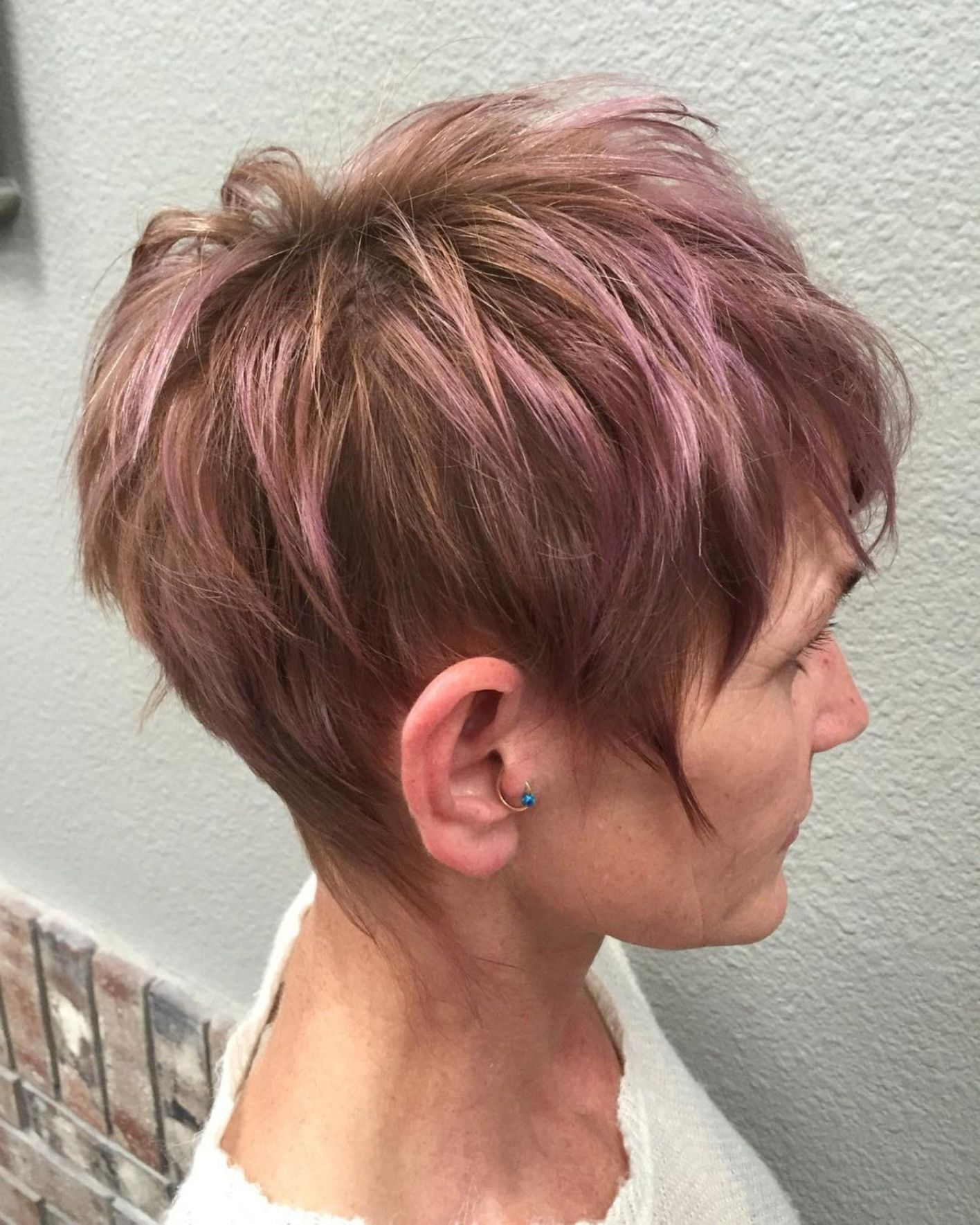 Pastel purple highlights for brown pixie favouritewomenshaircuts