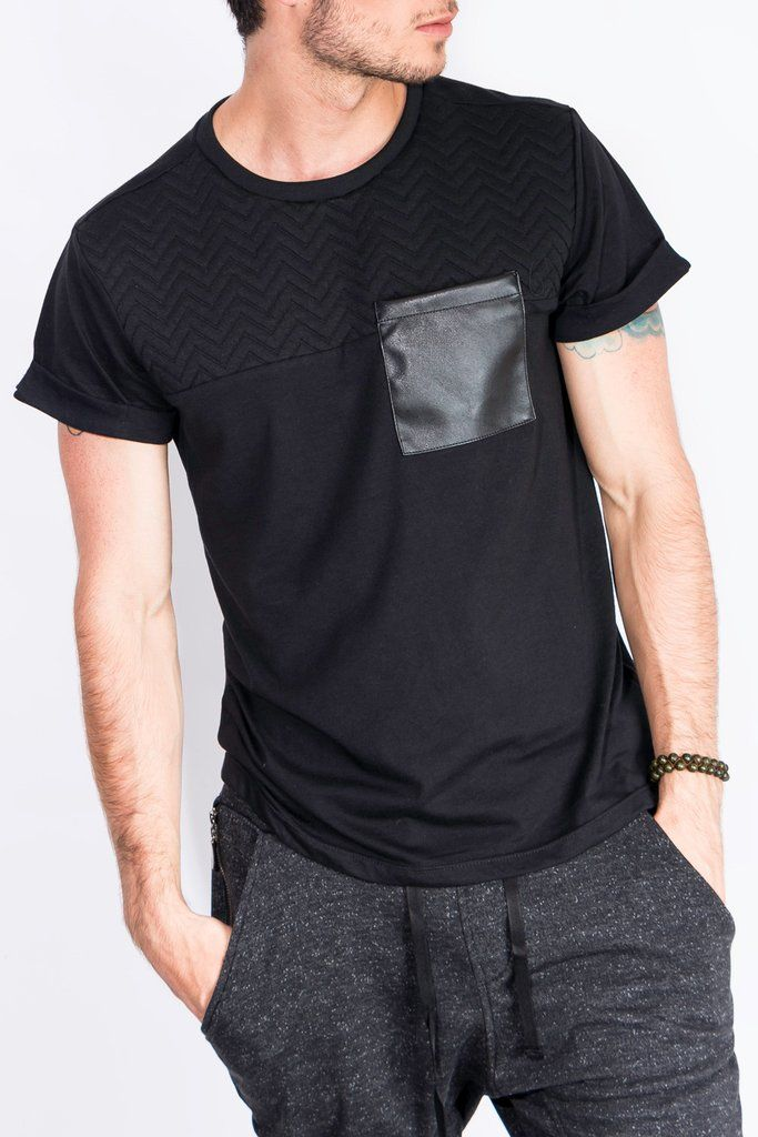 ae607351416be Camisetas Para Hombre - Camiseta Negra Almilla Acolchada – urbanwearco