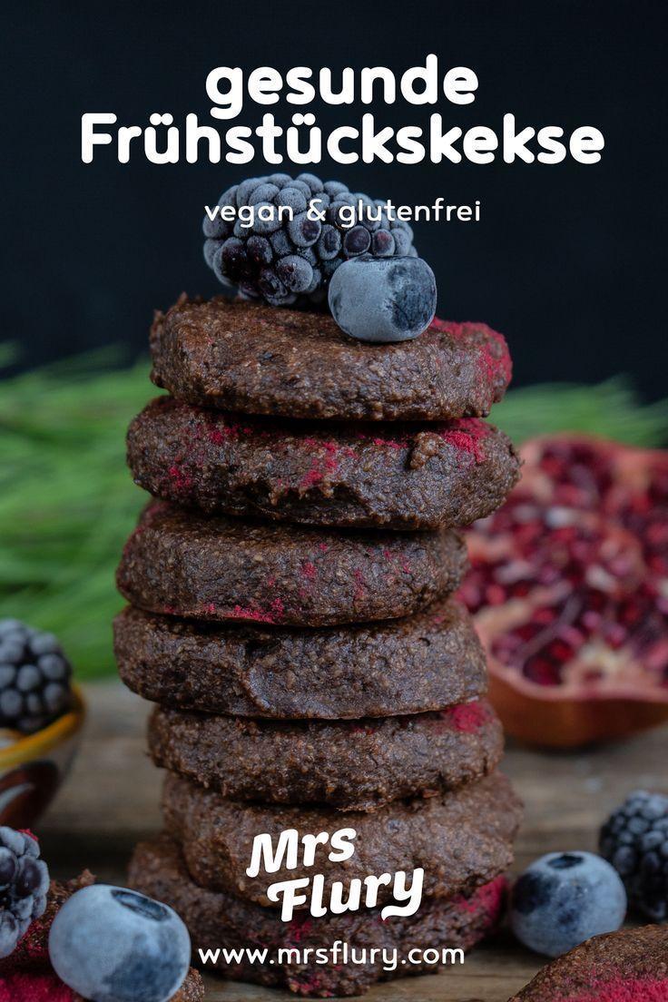 Gesunde Frühstückskekse / ideal zum Mitnehmen - Frau Flury - essen und gesund leben #vegancookiedough