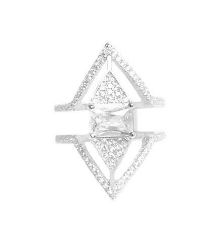 Kylie triangle ring