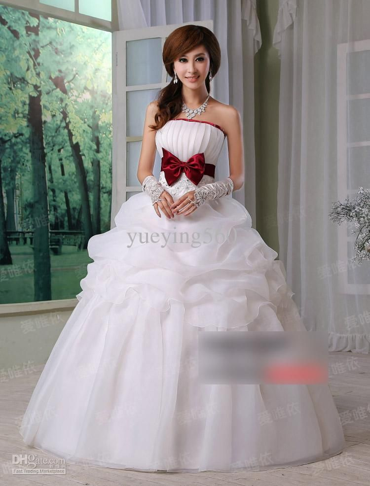 New Fashion Wedding Dresses At Exclusive Decoration And