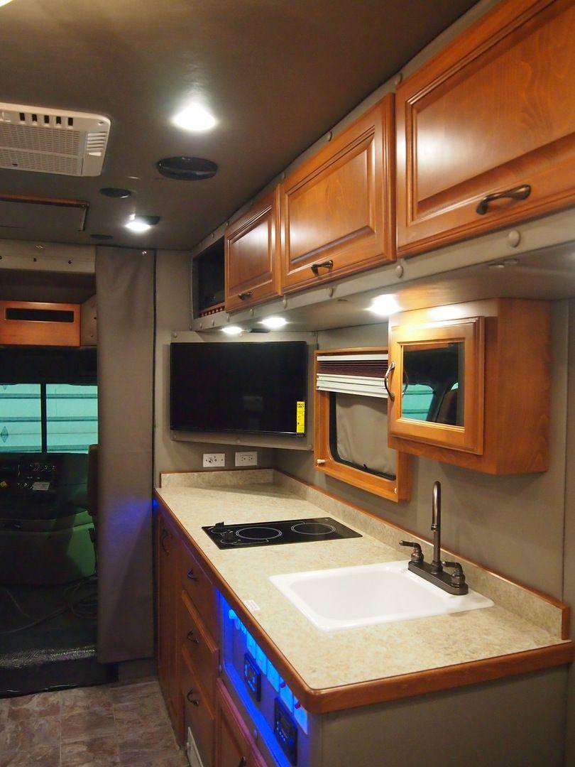 2015 Freightliner Cascadia With 144 Inch Ari Legacy Ii Rb Sleeper