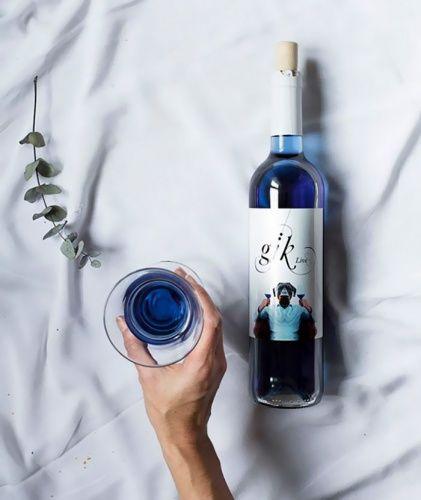 Niebieskie Wino Wine Brands Blue Wine Bottles Wine Cocktails