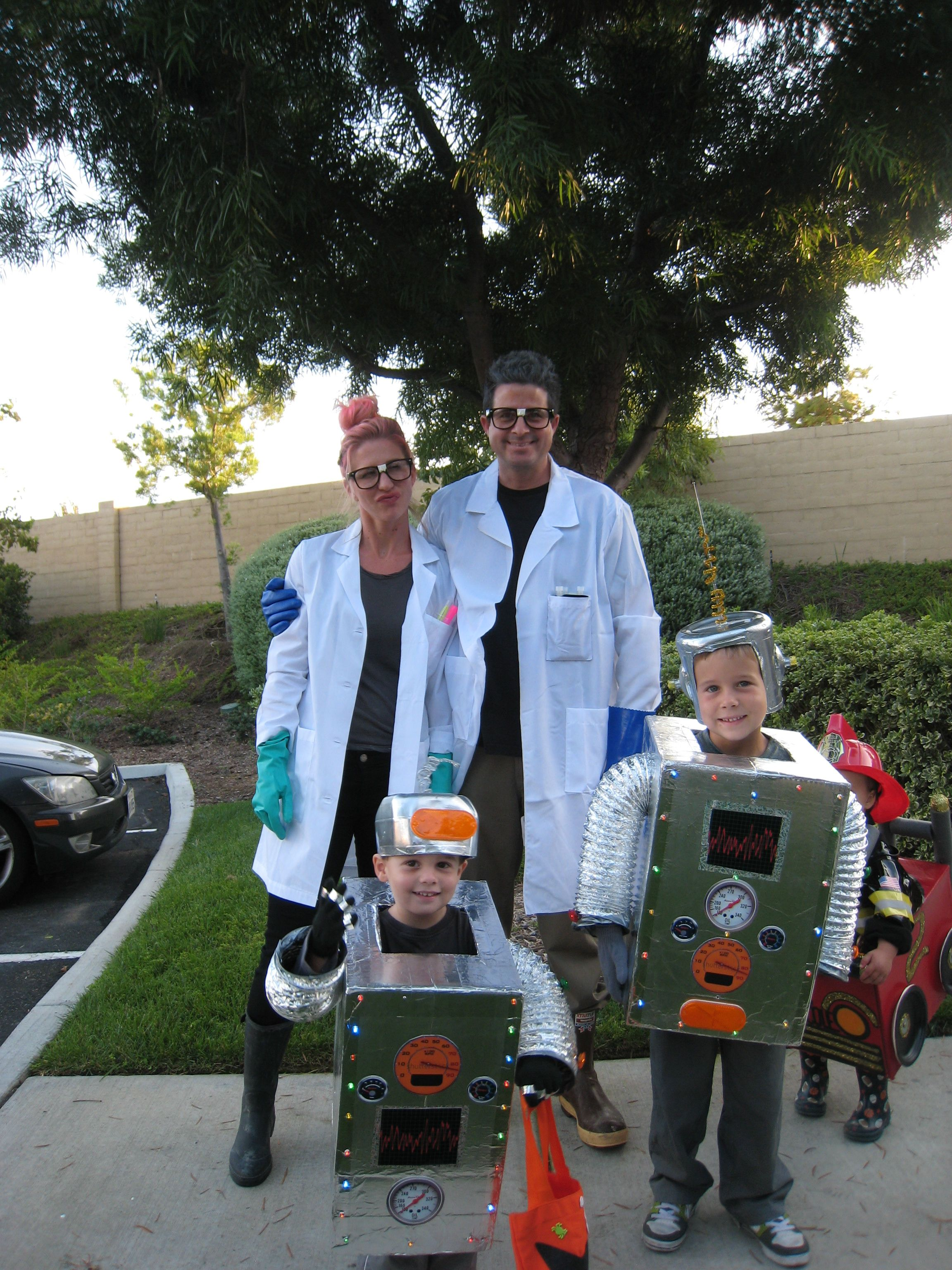 Halloween Costume 370.Mad Scientists And Robot Costume I Love Making Costumes Just