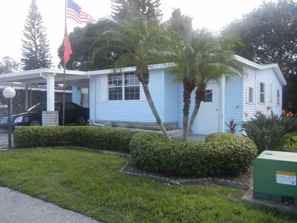 Palm Harbor Mobile / Manufactured Home in Bradenton, FL