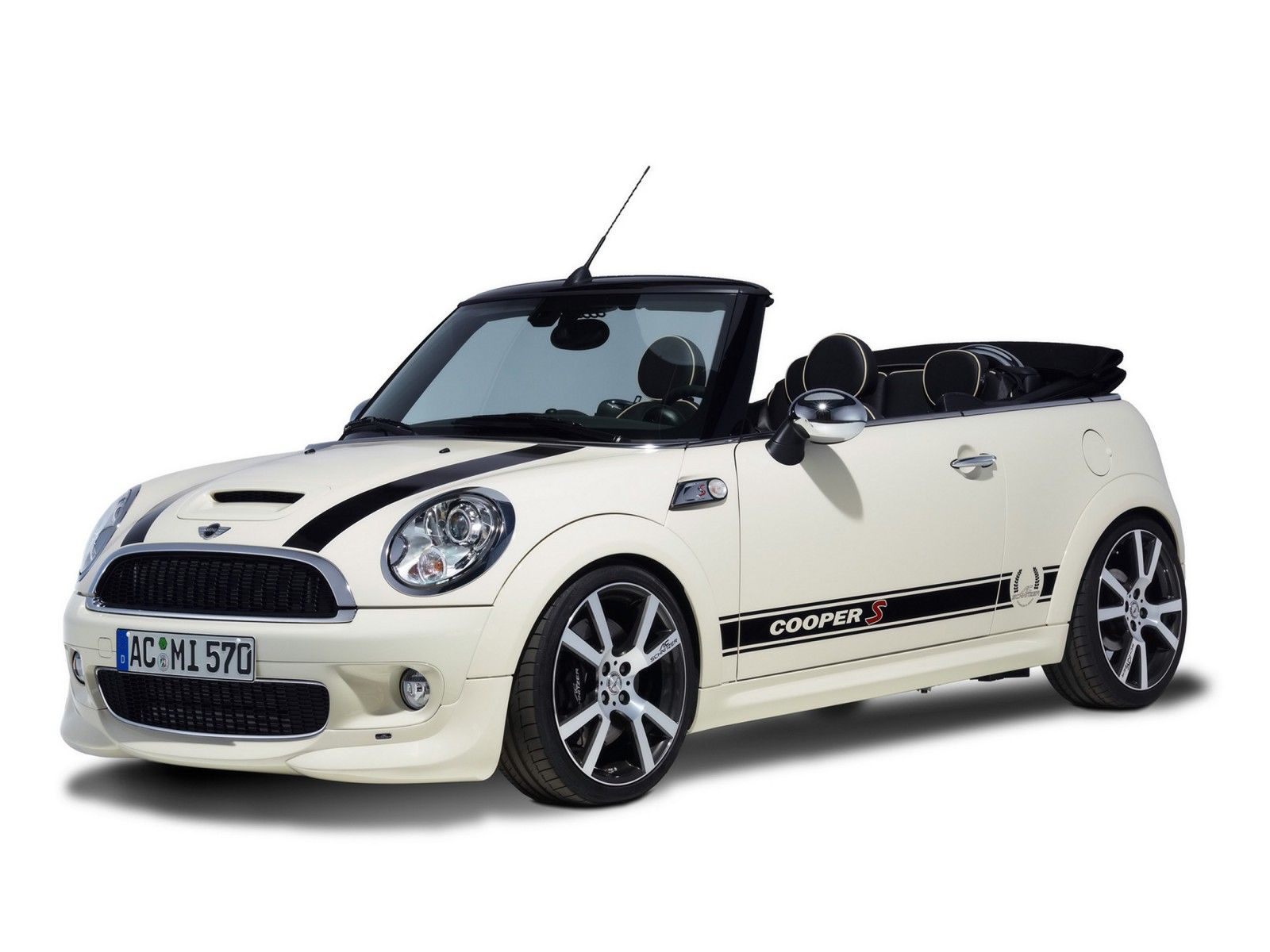 mini cooper convertible ride in style voiture. Black Bedroom Furniture Sets. Home Design Ideas