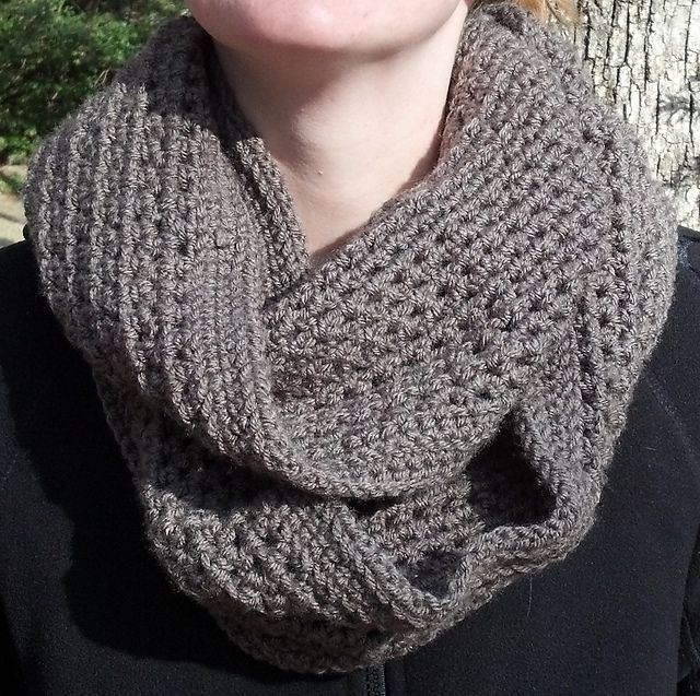 Ravelry Honeycomb Infinity Scarf Pattern By Lauren Savidge Diy