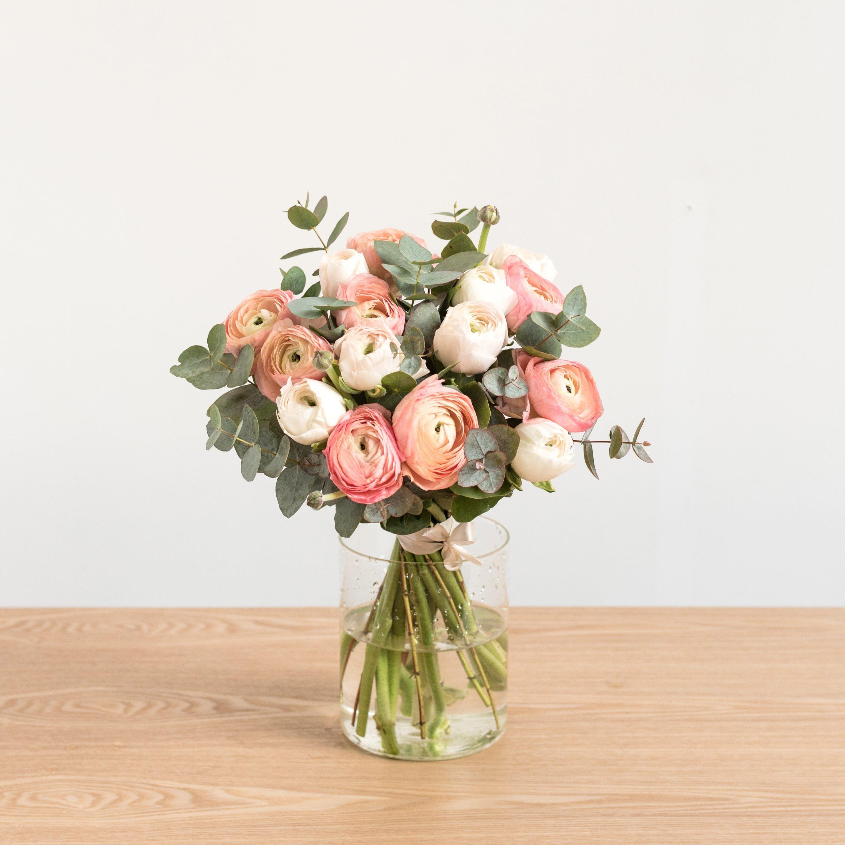 6 adresses conna tre pour un super bouquet de fleurs domicile fleurs flowers. Black Bedroom Furniture Sets. Home Design Ideas