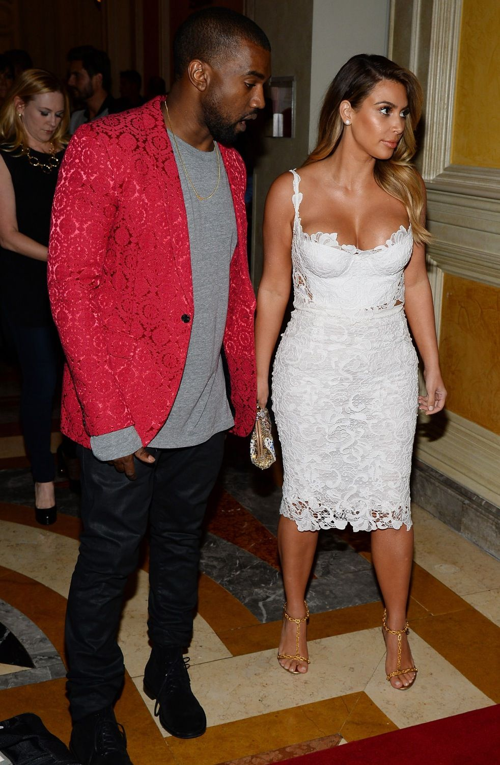 Kanye West and Kim Kardashian - Kim's 33rd Birthday Celebration At Tao Nightclub in Las Vegas 26 October 2013