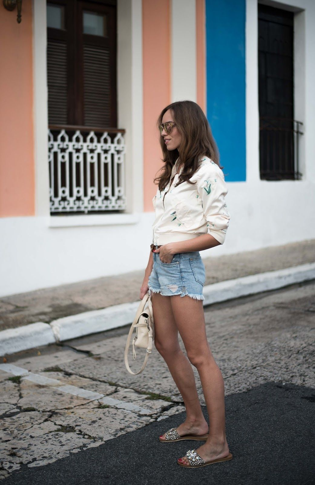 minimalist summer outfit bomber jacket
