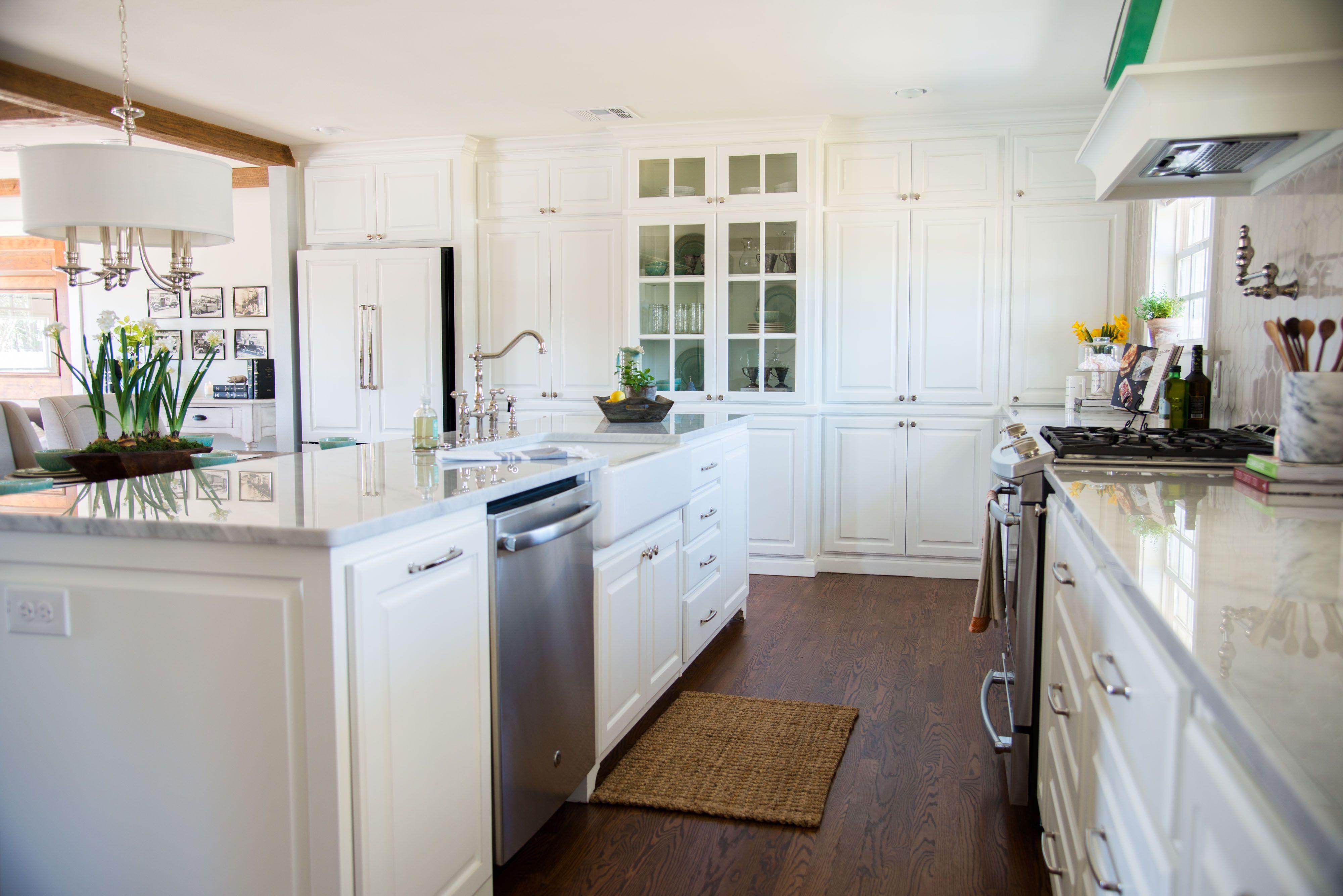 Fixer upper kitchens season 4 - The Plain Gray House Season 4 Fixer Upper Magnolia Market Kitchen