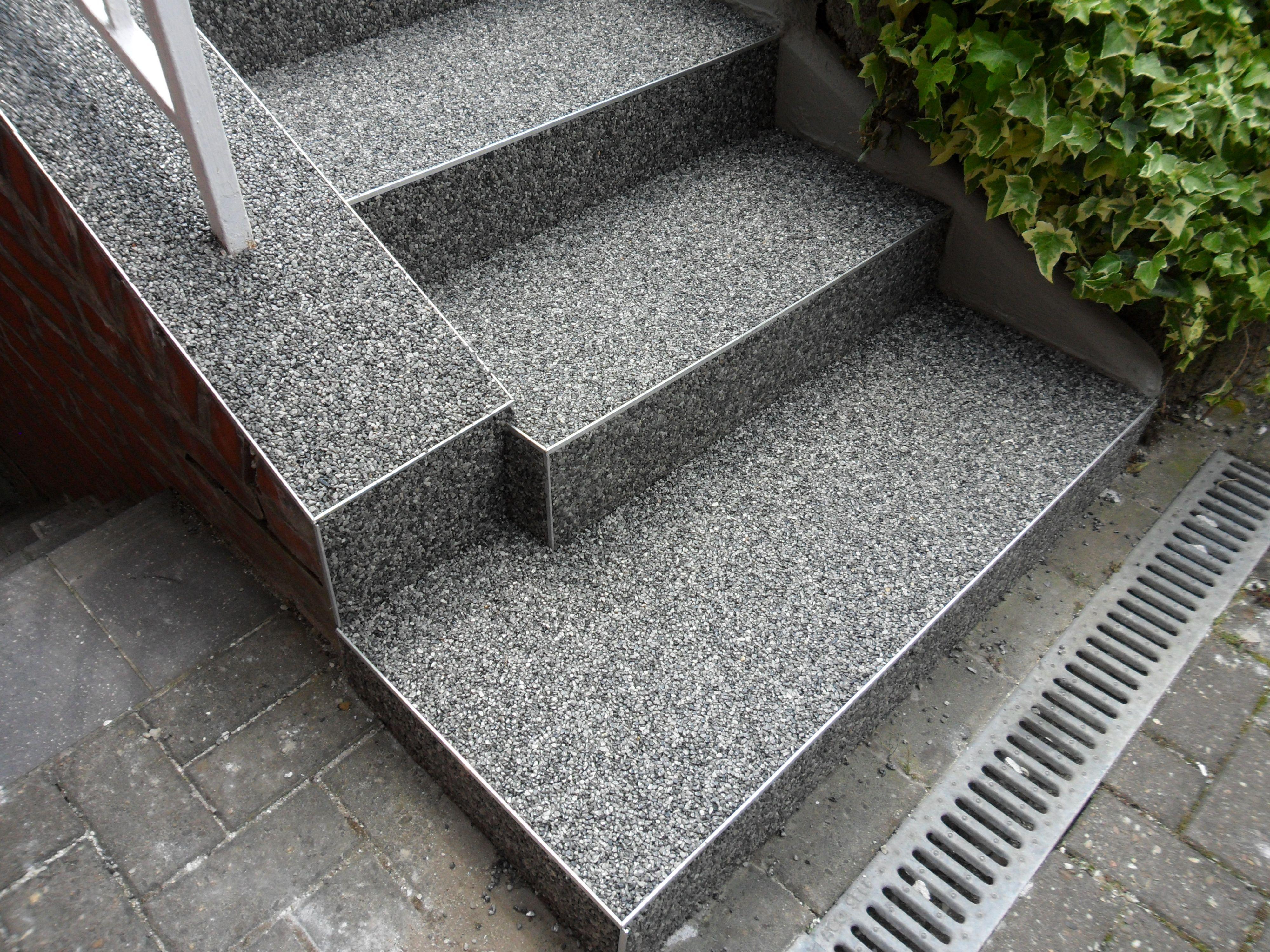 Steinteppich Anwendungsbeispiel Steinteppich Treppe Aussenbereich Treppe Treppenrenovierung Aussentreppe